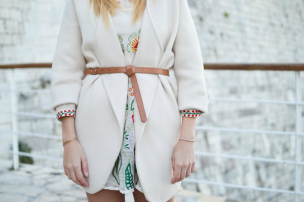Jacket tied with a belt